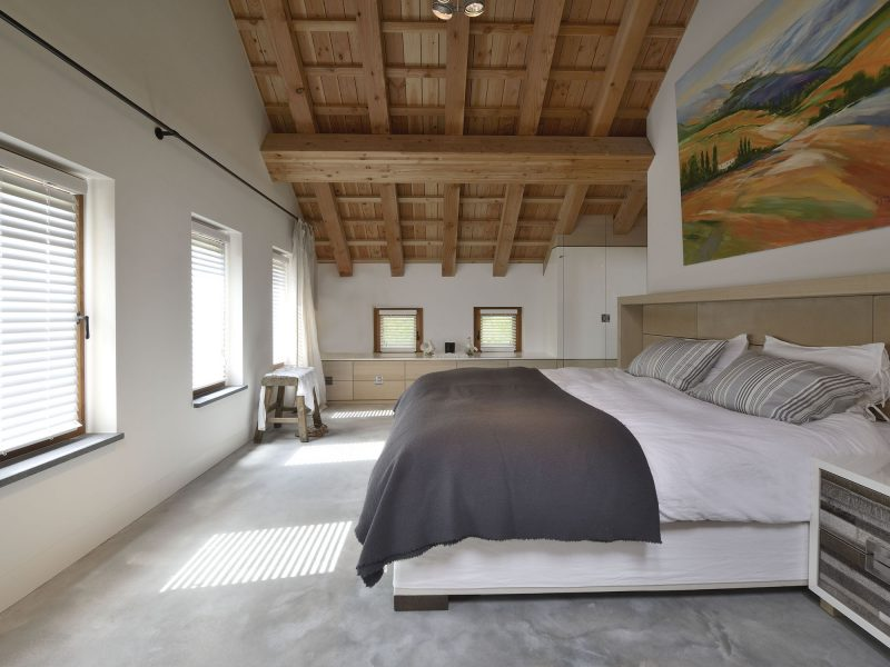 Maatwerk meubels in rustgevende slaapkamer